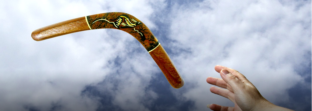 A teoria do Boomerang, o que vai… volta!